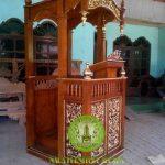 Mimbar Masjid Kubah Jati ukir