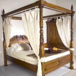 Dipan tempat tidur kanopi jati jepara