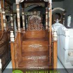 contoh gambar mimbar masjid tangga depan atap kubah kayu jati