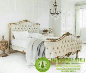 Harga Tempat Tidur Mewah Putih classic