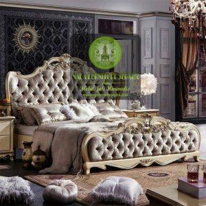 set tempat tidur ukir mewah klasik luxury putih silver jok busa elegant